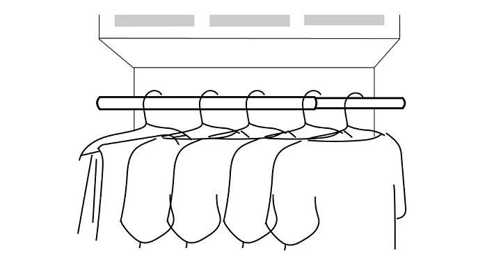 我之前看到很多人仅用为数不多的预算,就把原先单调的房间改造得漂亮舒适,尤其家里有个小阳台的话,就更要好好花一番心思了: 比如充分利用地面和置物架的空间,把它打造成一个清新别致的小花园,不用出门就能感受到大自然的芬芳;  你也可以在阳台添置一套简单的桌椅,把它变成光照适宜的休闲区,从此家里就多了一个看书、小憩、与友人喝茶的好去处。