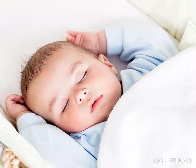 资深宝妈教你三招选购合适宝宝睡枕!