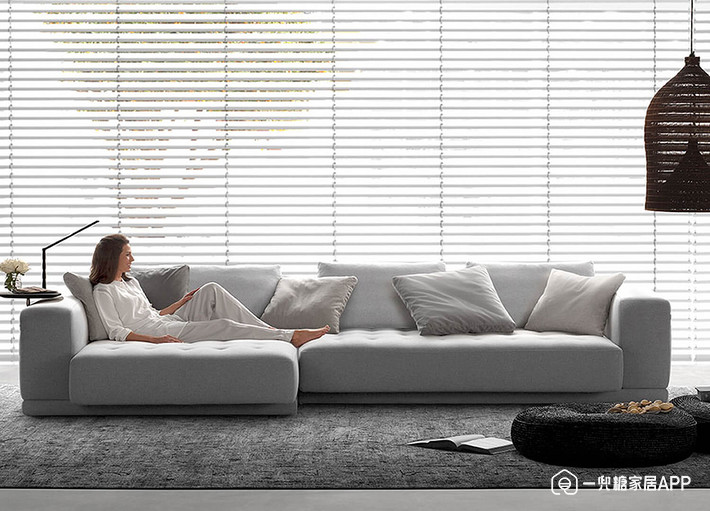 Est-Living-Design-Directory-King-Living-Felix-Sofa-1.jpg