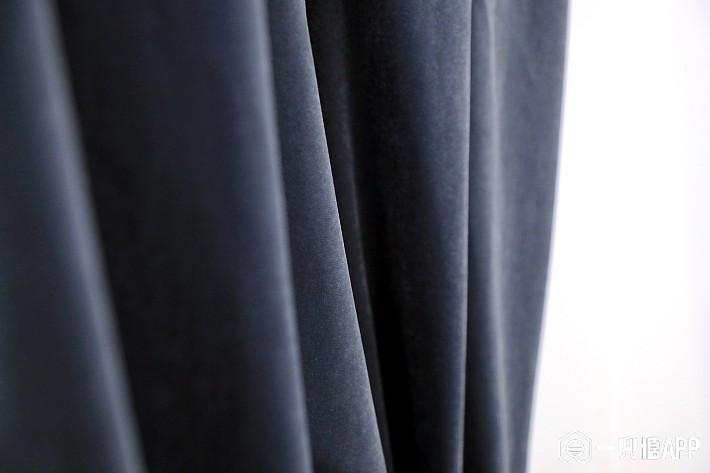哑光质感和厚实的面料,保暖性、遮光性还有隔音效果毋庸置疑1.jpg