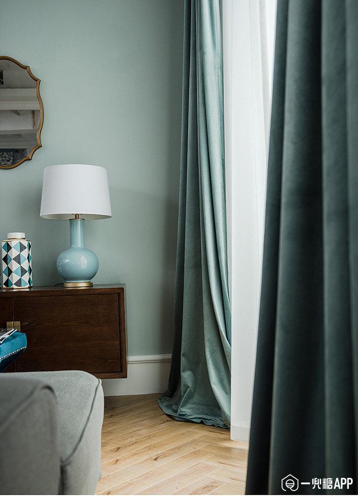 没有太多肤浅浮夸的点缀和修饰,可以为你的居室营造娴静沉稳的大气感1.jpg