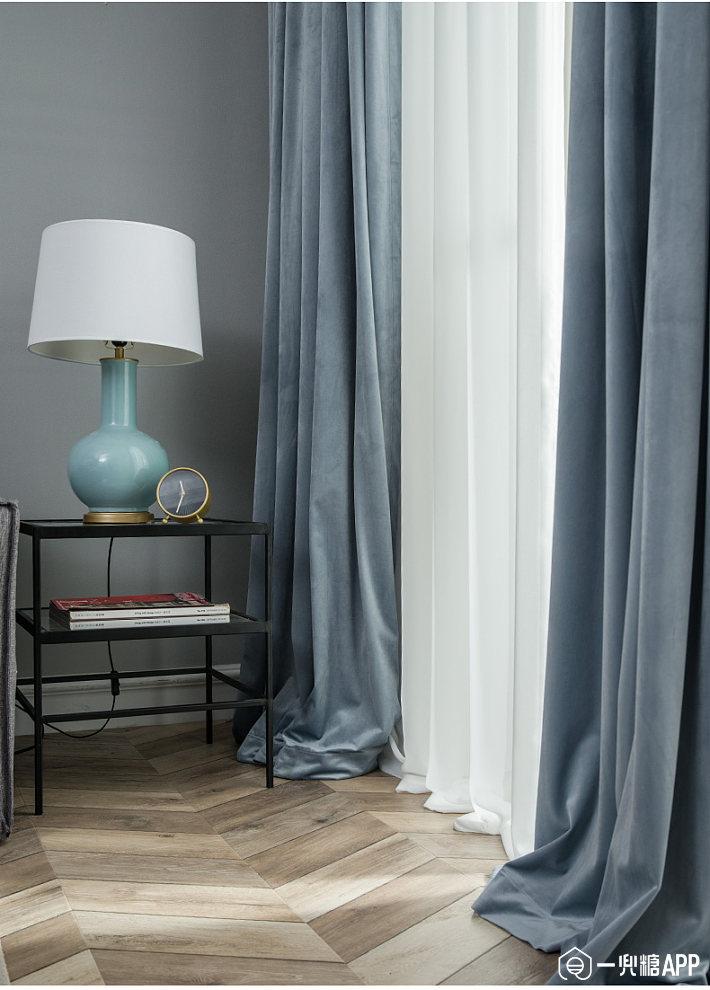 相对于其它类型的窗帘,丝绒窗帘的价格只是稍微小贵一点,但是悬挂在居室里的感觉就明显比棉麻的要高端大气不少,性价比较高1.jpg