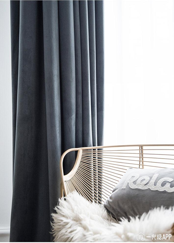 相对于其它类型的窗帘,丝绒窗帘的价格只是稍微小贵一点,但是悬挂在居室里的感觉就明显比棉麻的要高端大气不少,性价比较高2.jpg