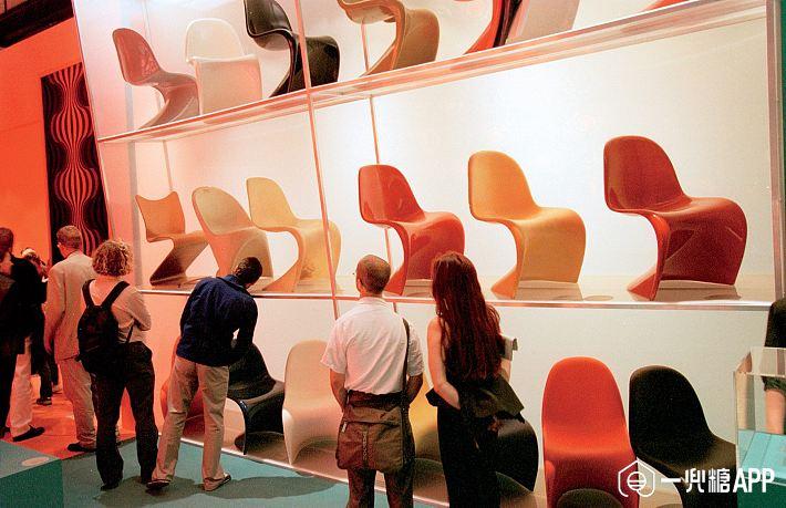 Furniture-Design-1517-GQ-MOCH02-02-verner-panton-stacking-chair.jpg