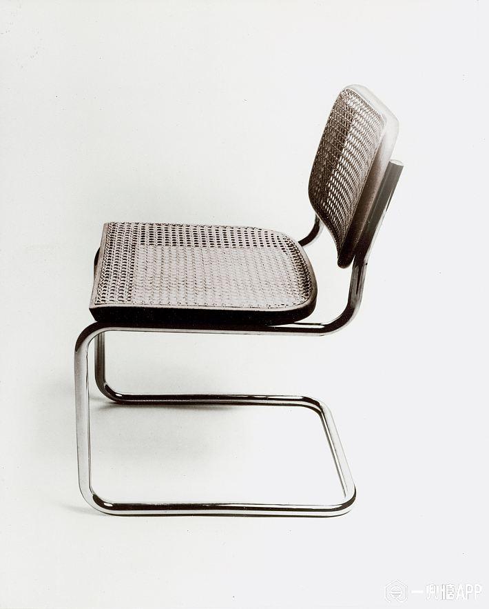 Furniture-Design-1517-GQ-MOCH06-01-marcel-breuer-b32-cesca-chair.jpg