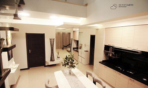 简约舒适,温馨敞亮,自己学设计,小复式二室居。