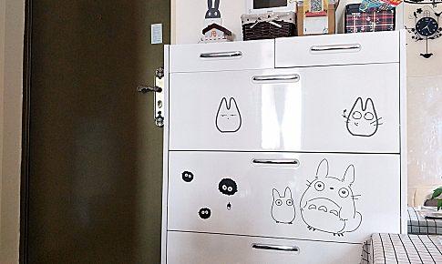 全屋靠網購和手工DIY組裝,打造出了一個漫畫屋,超級溫馨。