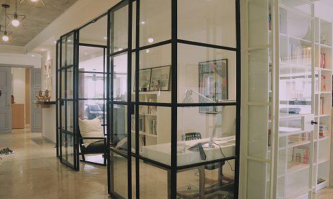 水泥自流平、走廊改书房,这个设计机构改造的家很有看头!