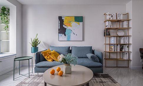 在客廳設計了個隔斷,讓整個家都變了樣