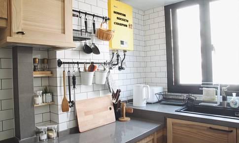 宜家橱柜+高低台面,打造通透又好用的半敞开式厨房