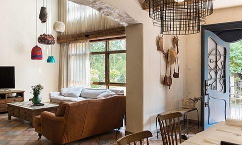 舊毛衣做吊燈、回收木打家具,這個鄉村別墅美的不像話