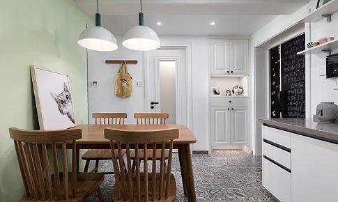 門廳柜移對面,讓出一個餐區位還做成了開放式廚房