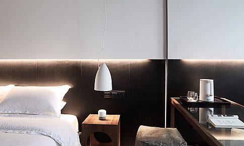闹市里的Small现代公寓(S2)