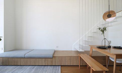 懸浮樓梯,空中浴缸,她有一個25.6㎡的理想住宅