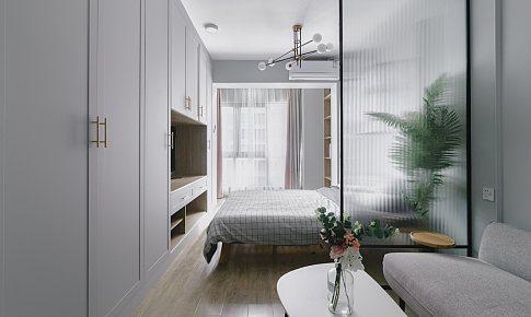 用一面柜子解決單身公寓的收納,灰色調可甜可鹽~!