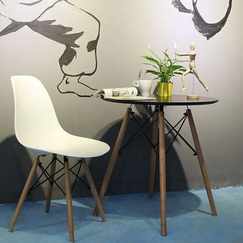 宜家新款组装伊姆斯设计师椅休闲洽谈椅餐椅简约实木塑料椅创意椅_图4