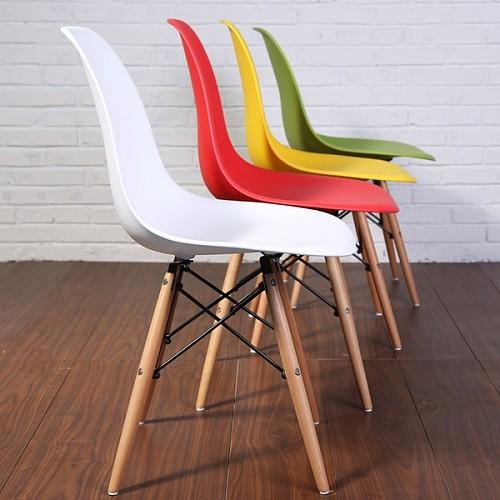 宜家新款组装伊姆斯设计师椅休闲洽谈椅餐椅简约实木塑料椅创意椅_图3